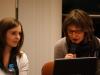 Inicjatorka krakowskiego Klubu - Joanna Ejsmont (z prawej) i prowadząca debatę Magdalena Jarosik (z lewej)