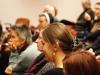 Przysłuchująca się debacie publiczność