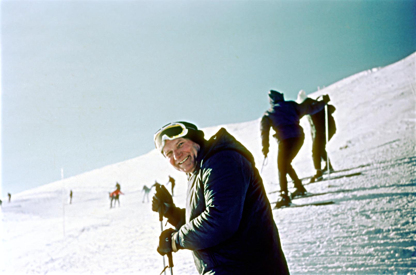 Jan Paweł II na nartach na Kasprowym Wierchu. Fot. Archiwum Rodzinne Kazimierza Urbańczyka